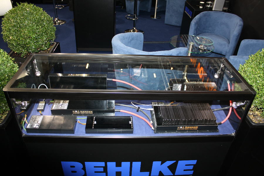 Behlke Electronica - Display Case No. 6